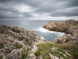 Acantilados en playa de somocuevas, Cantabria por Juan Carlos Ramos fotógrafo de Toledo.